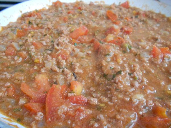 carne picada con tomate