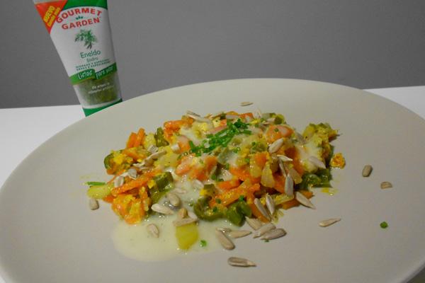 revuelto de verduras con salsa de calabacín