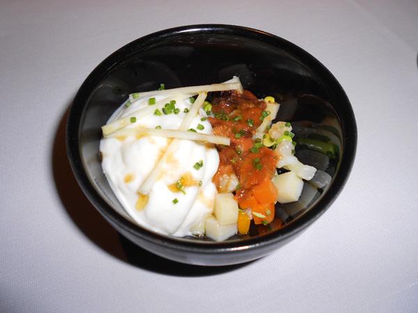 Ensaladilla con erizo y coliflor