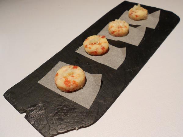 Bombones de queso de oveja y gelatina de tomate