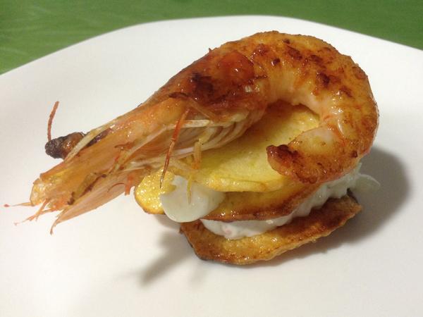 hojas de patata con marisco