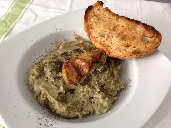 Hummus de soja verde y plátano