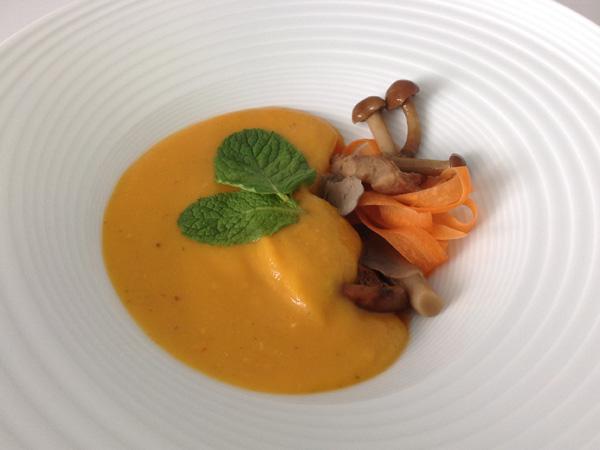 Crema de zapallo, boniato y zanahoria al hinojo