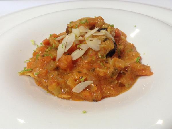 curry rojo de mejillones con zanahoria y almendra