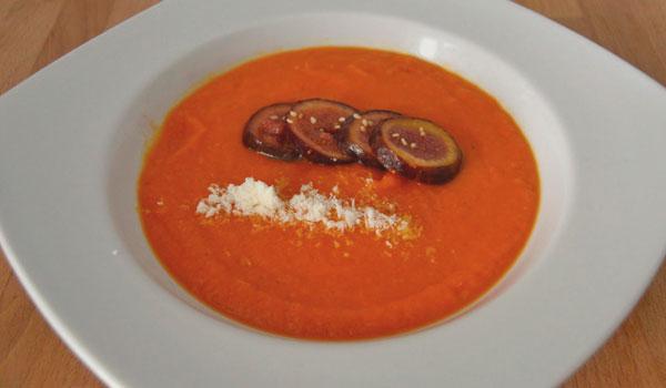 Crema de calabaza y tomate con queso de Hinojosa